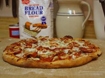 800px-Peperoni_pizza