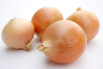 800px-Onions